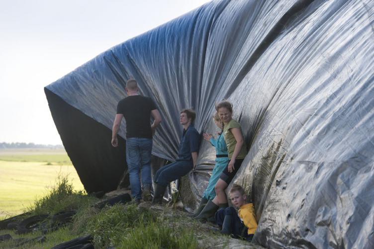 Kuil plastic afdekken wind